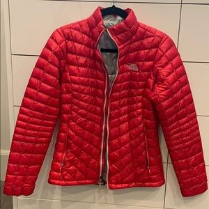 Pink Northface Thermoball jacket